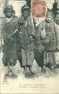 N 35  YUNNAN  MENDIANTS CHINOIS  PERSONNAGES GROS PLAN - China