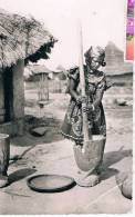 Guine 2732 Pileuse De Mil - Guinée
