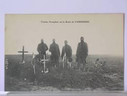 (77) - TOMBES FRANCAISES SUR LA ROUTE DE VARREDES - ANIMEE - France