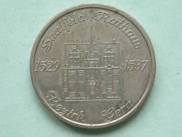 Bezirk GERA Saalfeld Rathaus / Wappen Der Stadt Gera ( 25.3 Gr. / 36 Mm. - Details Zie Foto´s ) !! - Duitsland