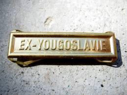 INSIGNE AGRAFE EX YOUGOSLAVIE EN ACIER POUR MEDAILLES PENDANTES EXCELLENT ETAT