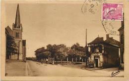 Depts Divers -maine Et Loire -ref 68- Saint Georges Sur Layon -st Georges Sur Layon -place De L Eglise -carte Bon Etat - - Autres Communes