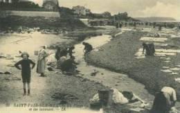 CP50302 - SAINT PAIR SUR MER - La Plage Et Les Laveuses (Reproduction) - Saint Pair Sur Mer