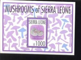 SIERRA LEONE  1627  MINT NEVER HINGED SOUVENIR SHEET OF MUSHROOMS  #   350-2   ( - Pilze