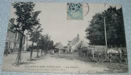 Balagny Sur Therain - La Place - France