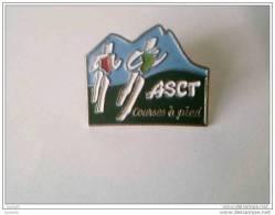 Pin´s - Sport - Courses à Pied - A S C T - - Badges