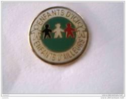 Pin�s - ASSOCIATIONS - ENFANTS D�ICI - ENFANTS D�AILLEURS -
