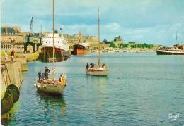 CP.   35.  SAINT  MALO.  BASSIN  VAUBAN. SORTIE  DES  YACHTS - Saint Malo