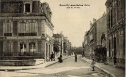10 ROMILLY-SUR-SEINE - Rue Du 1er Mai - Animée - Poste - Romilly-sur-Seine