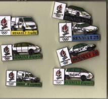 LOT DE  7 PIN´S Véhicules Renault Alberville 92 Diverses. - Renault