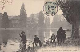 PARIS XII  Bois De VINCENNE   PECHEURS à La LIGNE Une Belle Prise Au LAC Daumesnil 1905 - District 12
