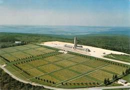 CPSM            Verdun   Vue Aérienne De L'Ossuaire De Douaumont             TB 2004 - Verdun