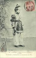 YUNNAN  FEMME POU LA  EN COSTUME DE FETE - China