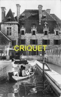 Cpsm 19 Altillac, Chateau Du Doux, Promeneurs En Barque Au 1er Plan - Francia