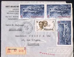 1953  Lettre Avion Recommandée  De  Majunga    Pour La France Yv  306, PA 63 X3 - Lettres & Documents
