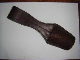Porte Fourreau Cuir  Marron - Armas Blancas