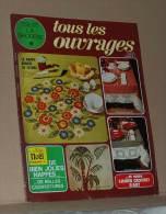 Revue Toute La Broderie Tous Les Ouvrages N° 220 De 1975 + Le Plan Pour Une Nappe Ronde Brodée, Sommaire Dans L'annonce - Moda