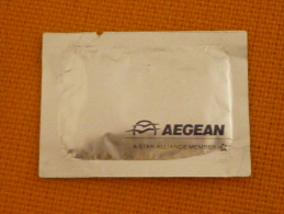 Serviette Rafraîchissante Freshener Aegean Airlines Star Alliance Member Greece Compagnie Aérienne - Parfums & Beauté