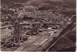 CPSM FRONTIGNAN (34): Vue Aérienne Sur L' Usine - Les Appareils De Distillation (années 50) - Frontignan