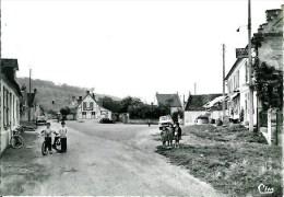 60 TROSLY-BREUIL  Grande Place - Autres Communes