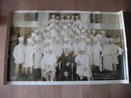 EXCEPTIONNELLE RARE PHOTO DE LA BRIGADE DES CUISINIERS DU  S.S  ÎLE DE FRANCE à NEW YORK En 1927 C. G . TRANSATLANTIQUE - Bateaux