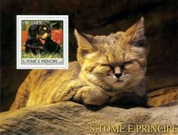 st3216 S.Tome Principe 2003 Dog Cat s/s Michel:2162 / Bl.443 Scott:1523