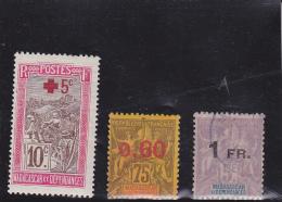 TIMBRES MADAGASCAR N° 121 A 123   COTE : 14,90 €