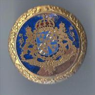 Insigne de B�ret/Arm�e su�doise/Armoiries de Su�de/Laiton cloisonn� �maill�/Vers 1950    IB46