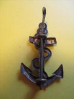 Insigne de B�ret/Arm�e Fran�aise/Ancre de Marine / Laiton embouti//Vers 1950    IB48