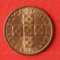 PORTUGAL  20  CENTAVOS  1963   KM# 584  -    (Nº02348) - Portugal