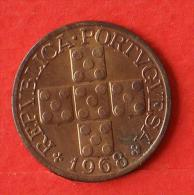 PORTUGAL  20  CENTAVOS  1968   KM# 584  -    (Nº02352) - Portogallo