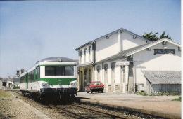 CF 77  Train, Locomotive, Autorail, X 4595 Roscoff, En Gare De St Pol De Léon - Saint-Pol-de-Léon