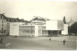 NANTES.  Le Restaurant Universitaire.   CPSM. - Nantes