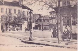 94 CHOISY LE ROI, Place De L'église, Animée - Choisy Le Roi