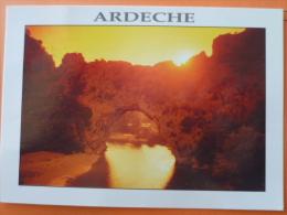 V09-07-ardeche--coucher De Soleil Sur Le Pont D'arc--- - Non Classificati