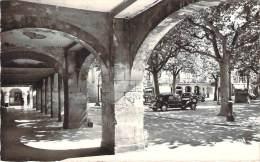 81 - Realmont - Les Couverts Et La Place - Realmont