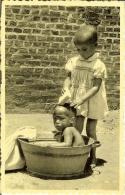 "CP Du MURAMBA-RUANDA "" Orphelina NOËL , Jouer à Petite Maman ... "" - Ruanda-Urundi"
