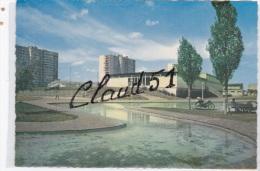 RIS  ORANGIS  (91)La Piscine (une Mobilette,Immeubles ,,) - Ris Orangis