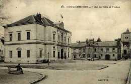 77-COULOMMIERS-Hôtel De Ville Et Postes,et Vieille église - Coulommiers