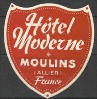 Etiquette De Bagage - HOTEL MODERNE - MOULINS - FRANCE - Etiquettes D'hotels