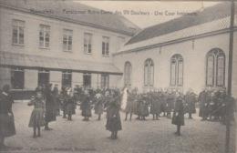 Ruysselede    Pensionnat Notre-Dame Des VII Douleurs  Une Cour Intérieure           Scan 4549 - Ruiselede