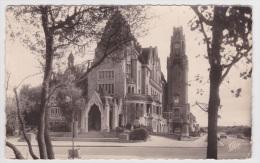 (RECTO / VERSO) LE TOUQUET PARIS PLAGE EN 1957 - N° 362 - HOTEL DE VILLE - BELLE FLAMME POSTALE - PETITS PLIS A GAUCHE - Le Touquet