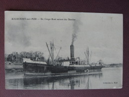 "CPA 17 ROCHEFORT SUR MER Un Cargot Boat Sortant Des Bassins "" Le Malinche "" BATEAUX MARINE METIERS RARE ? - Rochefort"