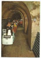 REIMS Petit Train à Wagonets Permettant La Visite Des Caves Piper -Heidsieck, Carte Publicitaire Du Domaine Photo Liena. - Trains