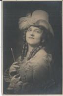 Femme Célèbre - Célébrités