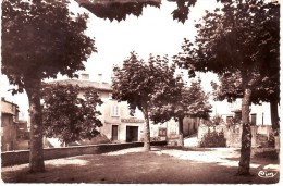 CPSM POMMIERS (69): Café De La Place Et Place Publique - Altri Comuni