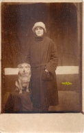 WOMAN,DOGS, OLD VINTAGE POSTCARD, UNUSED - Mode