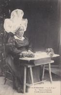 Bayeux - Types Et Costumes – Une Maîtresse De Dentelle [10823B14] - Bayeux