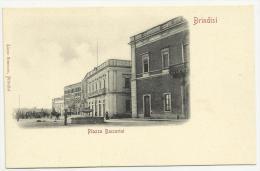 BRINDISI (PUGLIA) - PIAZZA BACCARINI - Brindisi