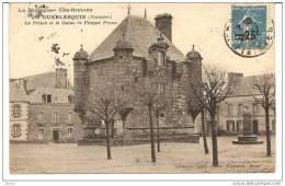 Guerlesquin (Finistère) 29 La Prison Et La Statue De Prosper Proux - France